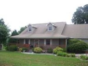 Property for sale at 952 Holly Oaks Lane, Dandridge,  TN 37725