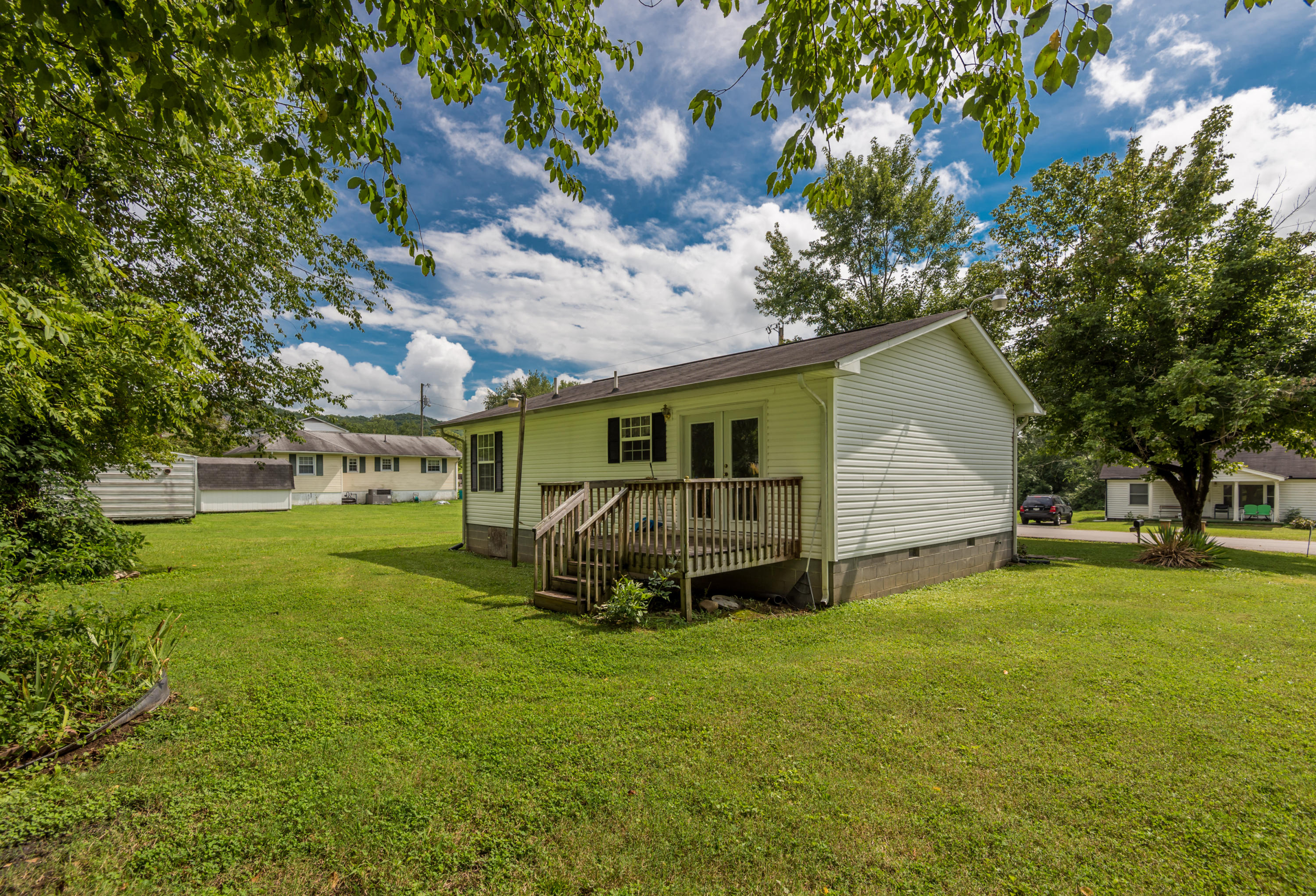 612-614 Catawba, Clinton, Tennessee, United States 37716, 2 Bedrooms Bedrooms, ,1 BathroomBathrooms,Single Family,For Sale,Catawba,1013006