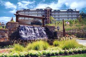 Property for sale at 818 Golf View Blvd Unit 1304, Pigeon Forge,  TN 37863