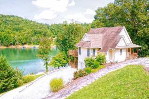 209 Lake Springs Drive, Lafollette, TN 37766