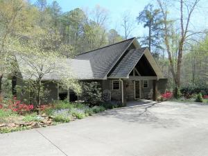 2198 Oakwood Rd, Walland, TN 37886