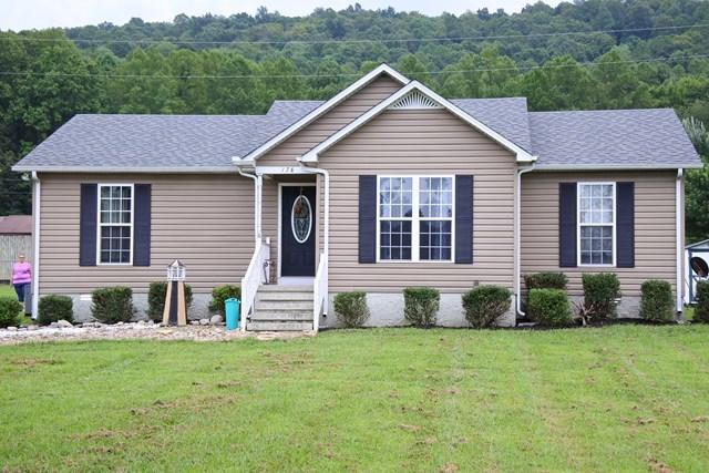 178 Thomas, Livingston, Tennessee, United States 38570, 3 Bedrooms Bedrooms, ,2 BathroomsBathrooms,Single Family,For Sale,Thomas,1018411