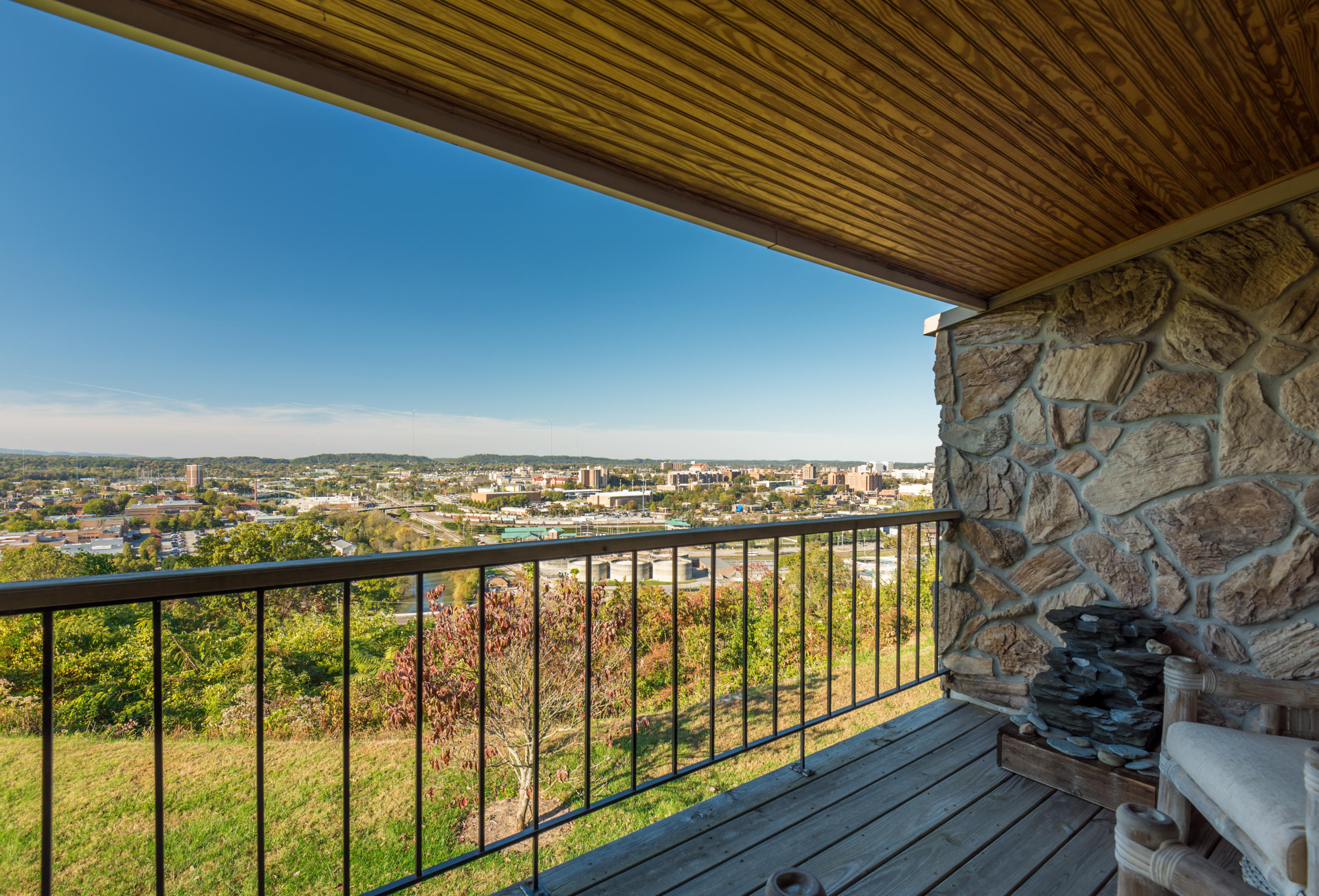 1909 Cherokee Bluff Drive, Knoxville, Tennessee 37920, 3 Bedrooms Bedrooms, ,2 BathroomsBathrooms,Single Family,For Sale,Cherokee Bluff,1021304