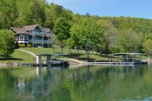 Property for sale at 543 Crown Pointe Rd, Lafollette,  TN 37766