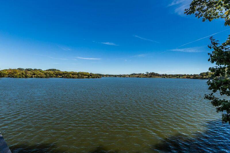 4244 Ridge Water Rd: