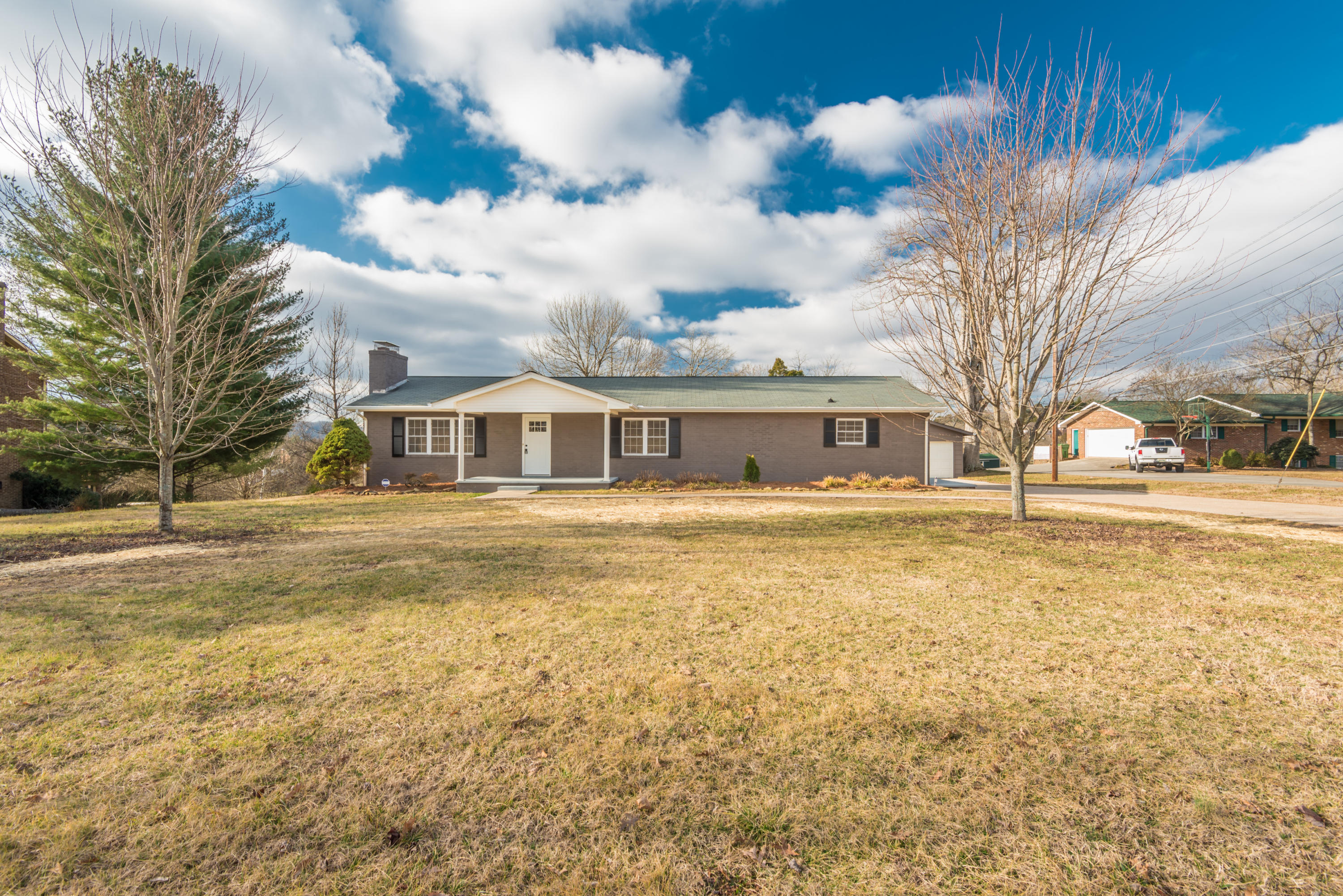 7517 Mayes Chapel Rd, Knoxville, Tennessee 37938, 4 Bedrooms Bedrooms, ,3 BathroomsBathrooms,Single Family,For Sale,Mayes Chapel,1029138