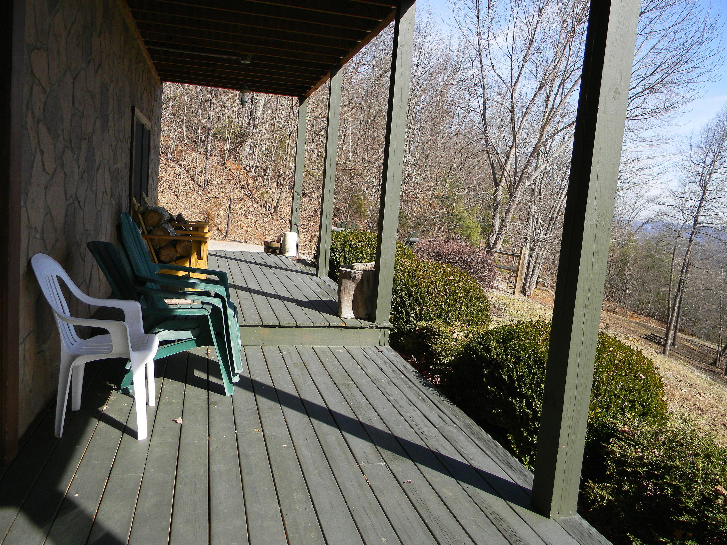 241 Settlers Point Rd: