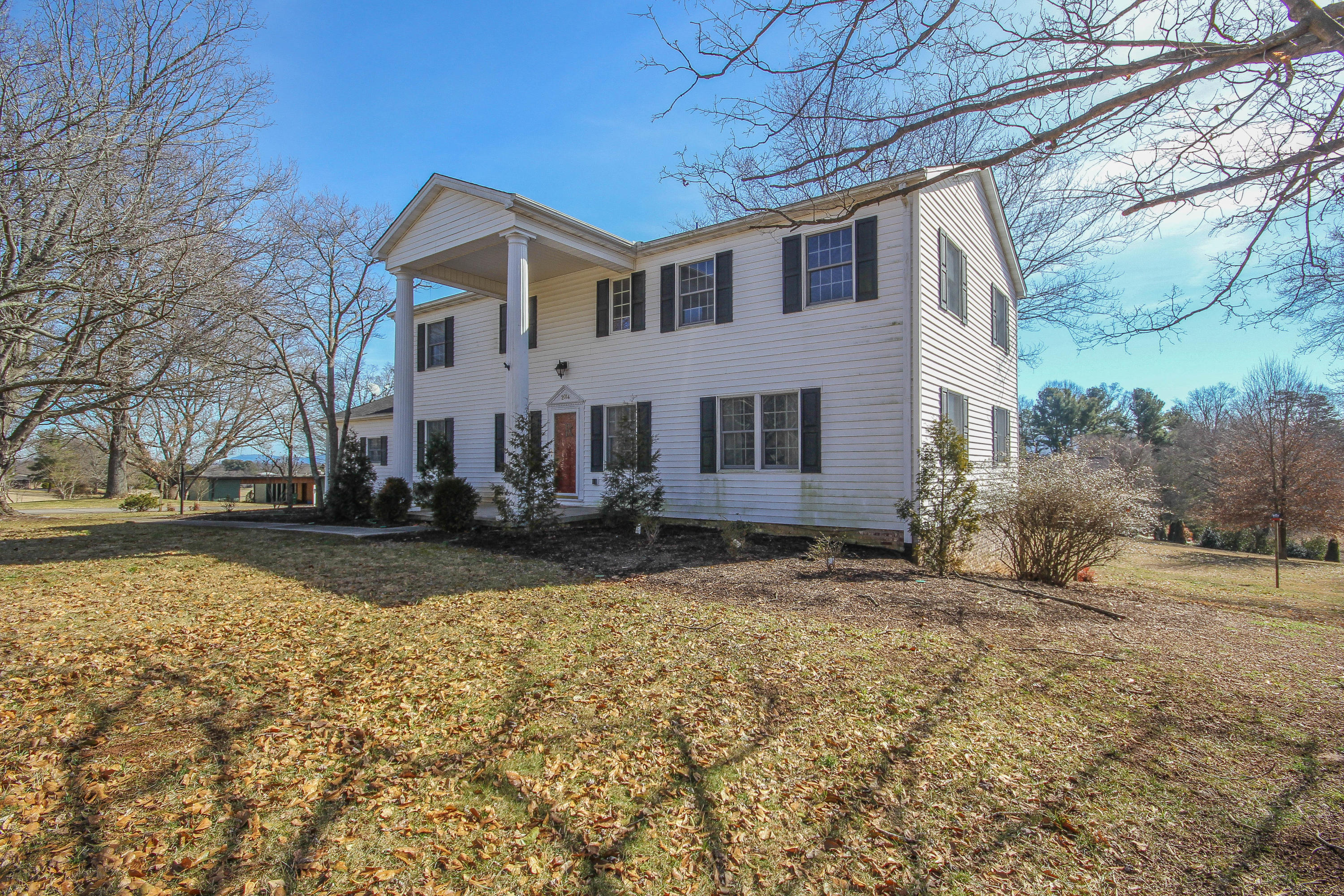 2014 Southwood, Maryville, Tennessee, United States 37803, 4 Bedrooms Bedrooms, ,3 BathroomsBathrooms,Single Family,For Sale,Southwood,1023808