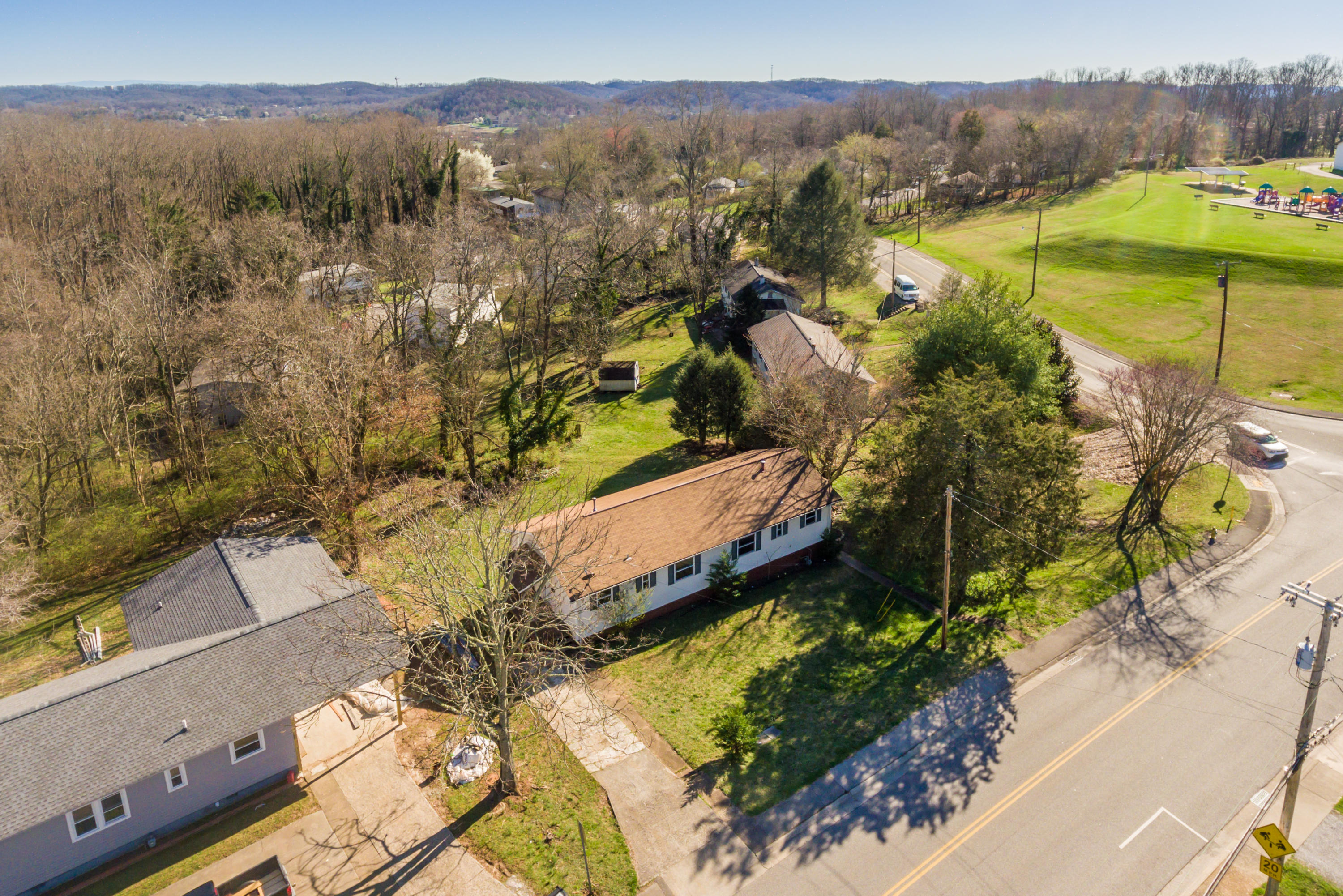 431-433 Outer Drive, Oak Ridge, Tennessee 37830, ,Multi-family,For Sale,Outer,1032537