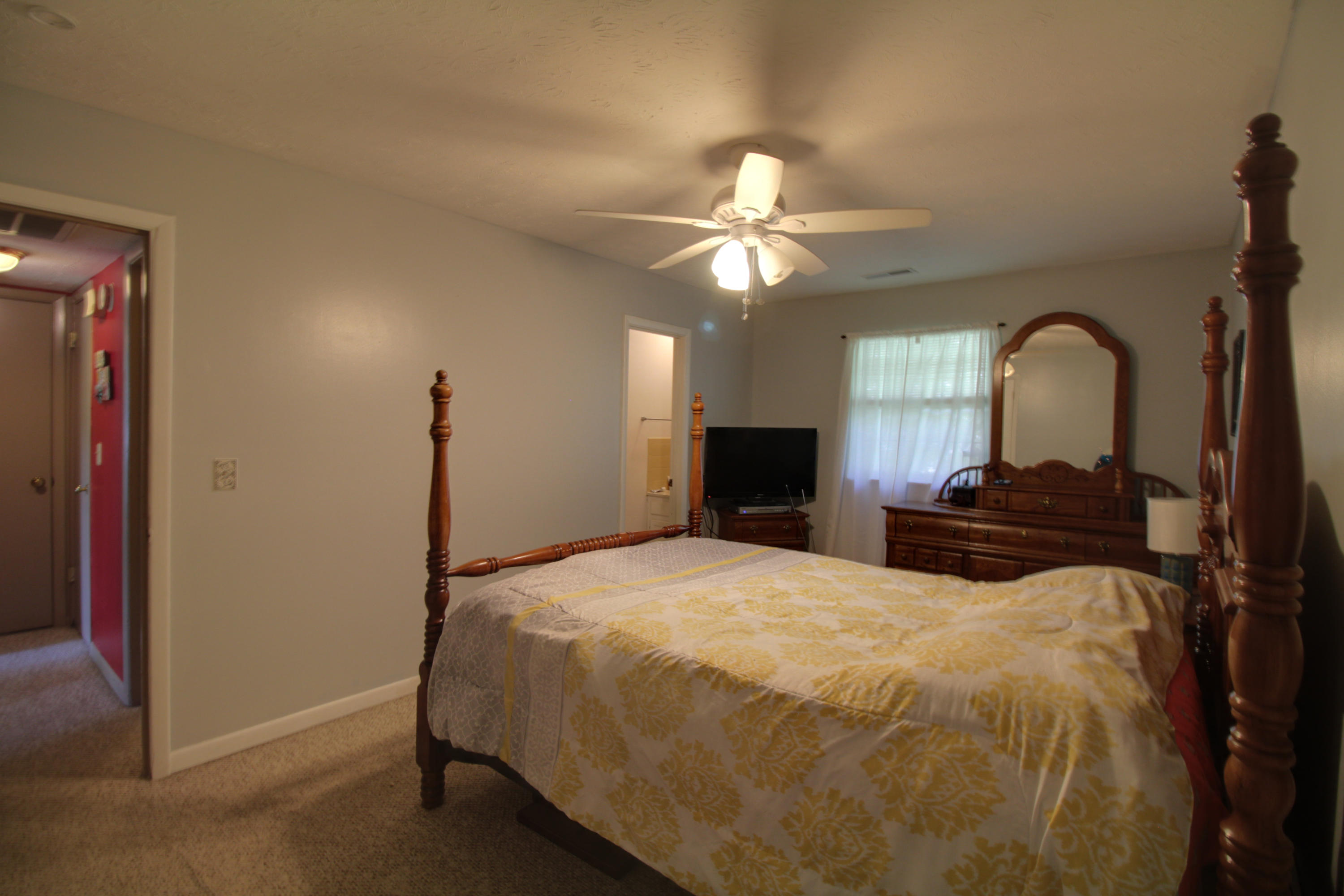 1609 Tecumseh, Knoxville, Tennessee, United States 37912, 2 Bedrooms Bedrooms, ,2 BathroomsBathrooms,Single Family,For Sale,Tecumseh,1039550