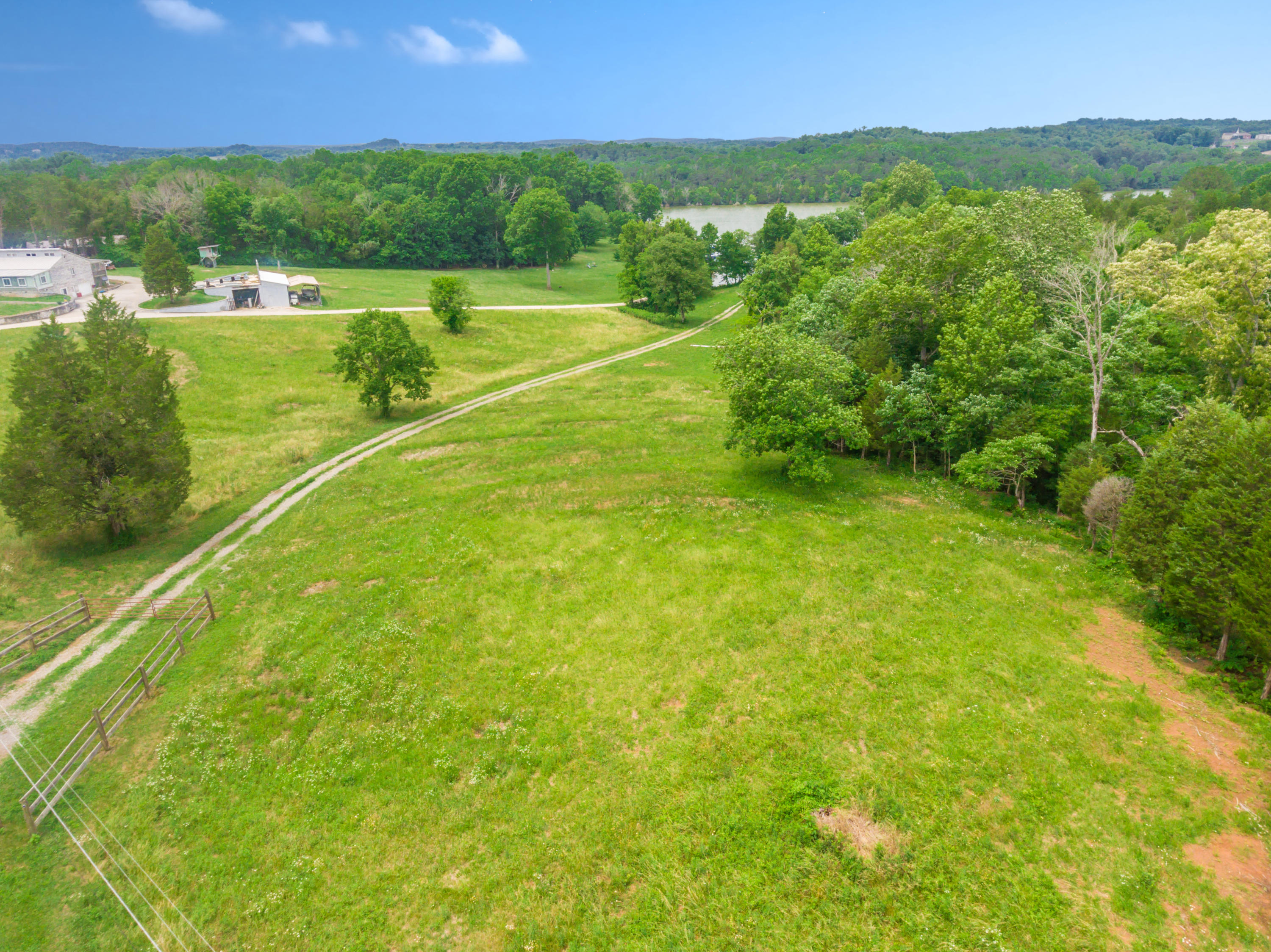 3054 Marmore Rd: