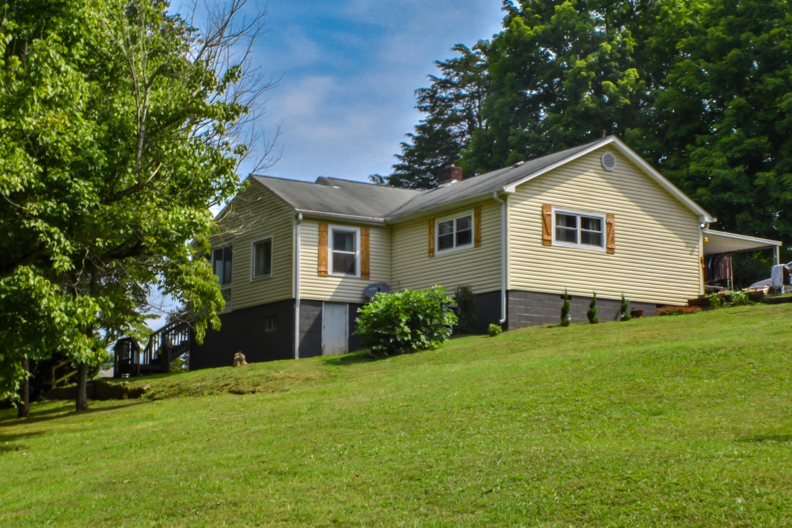 2418 Mine, Mascot, Tennessee, United States 37806, 3 Bedrooms Bedrooms, ,2 BathroomsBathrooms,Single Family,For Sale,Mine,1049393