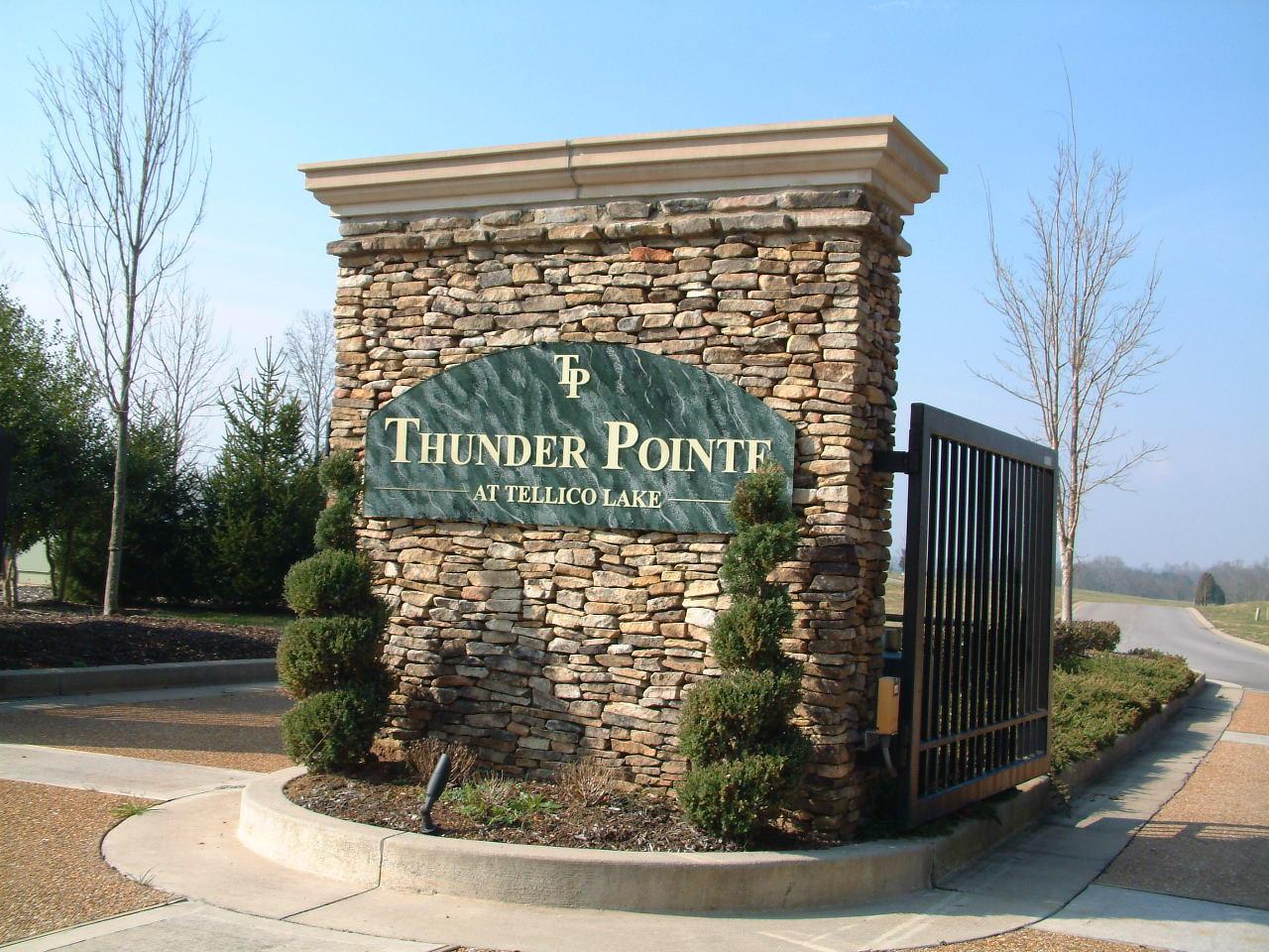 200 Thunder Rd: