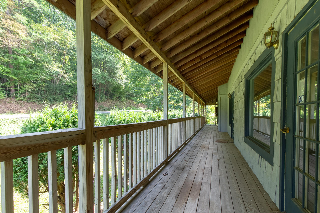 739 Glades Rd, Gatlinburg, Tennessee 37738, ,Commercial,For Sale,Glades,1054781