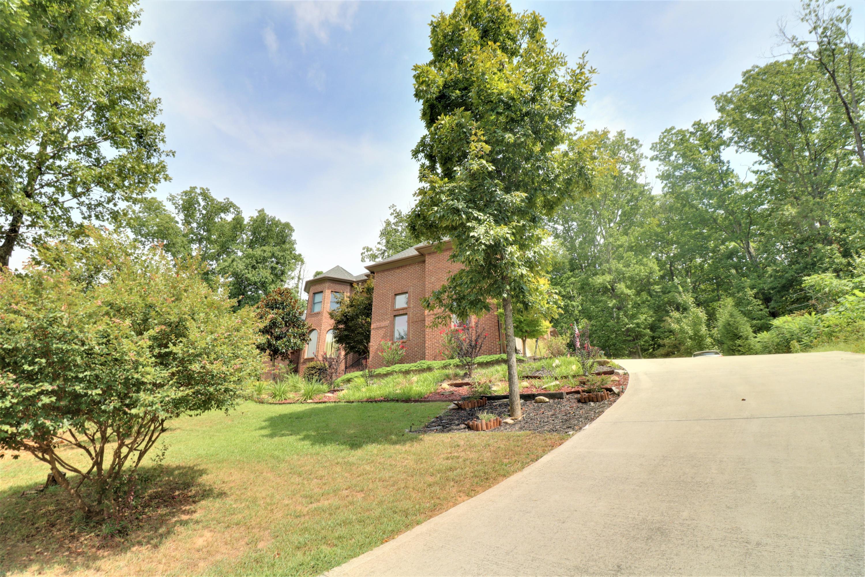 9918 Castleglen Lane, Knoxville, Tennessee 37922, 4 Bedrooms Bedrooms, ,3 BathroomsBathrooms,Single Family,For Sale,Castleglen,1055758