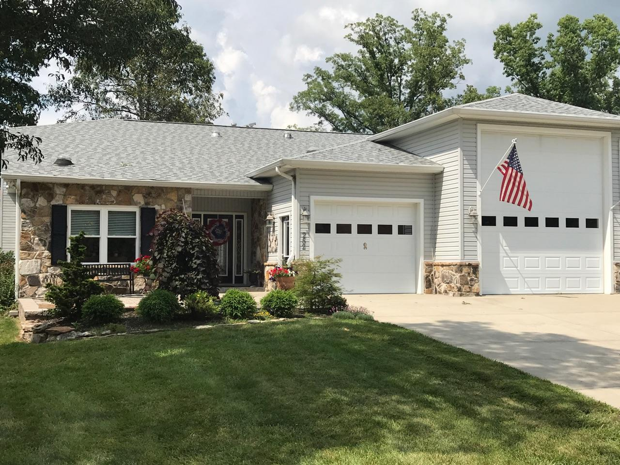 252 Hawthorn, Crossville, Tennessee, United States 38555, 3 Bedrooms Bedrooms, ,2 BathroomsBathrooms,Single Family,For Sale,Hawthorn,1057475