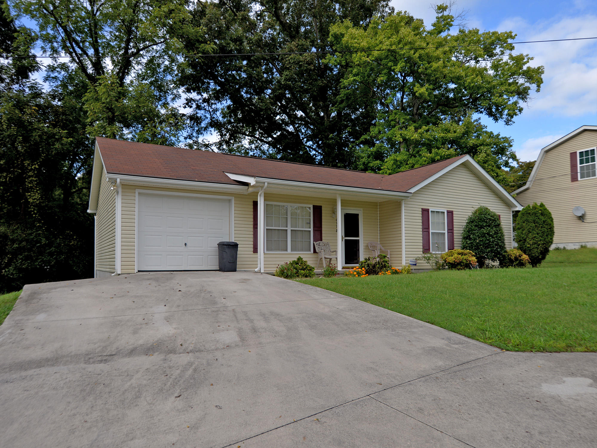 2118 Spring Hill Rd, Knoxville, Tennessee 37914, 3 Bedrooms Bedrooms, ,2 BathroomsBathrooms,Single Family,For Sale,Spring Hill,1057788