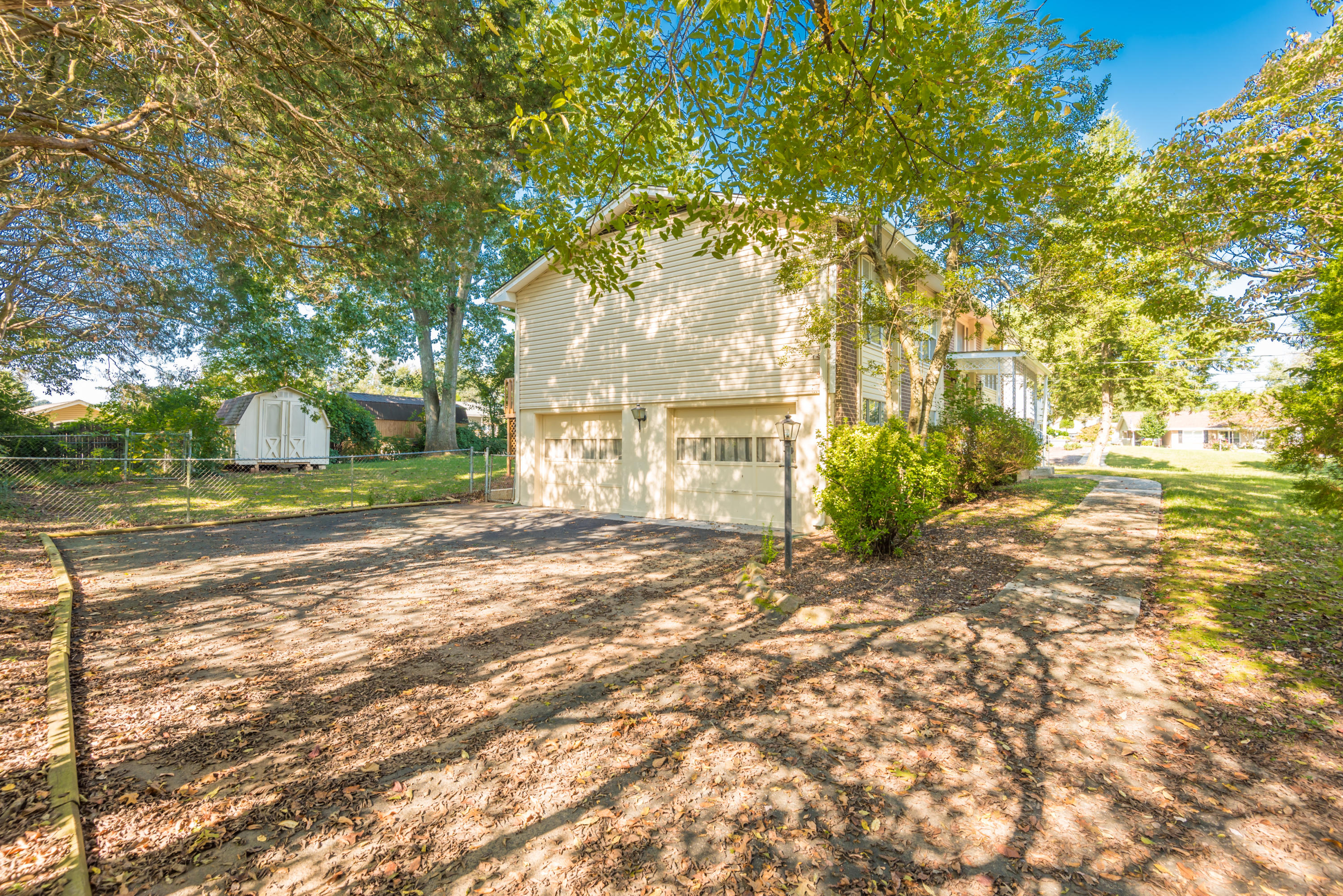 7609 Fall Wind Court, Powell, Tennessee 37849, 3 Bedrooms Bedrooms, ,2 BathroomsBathrooms,Single Family,For Sale,Fall Wind,1058966