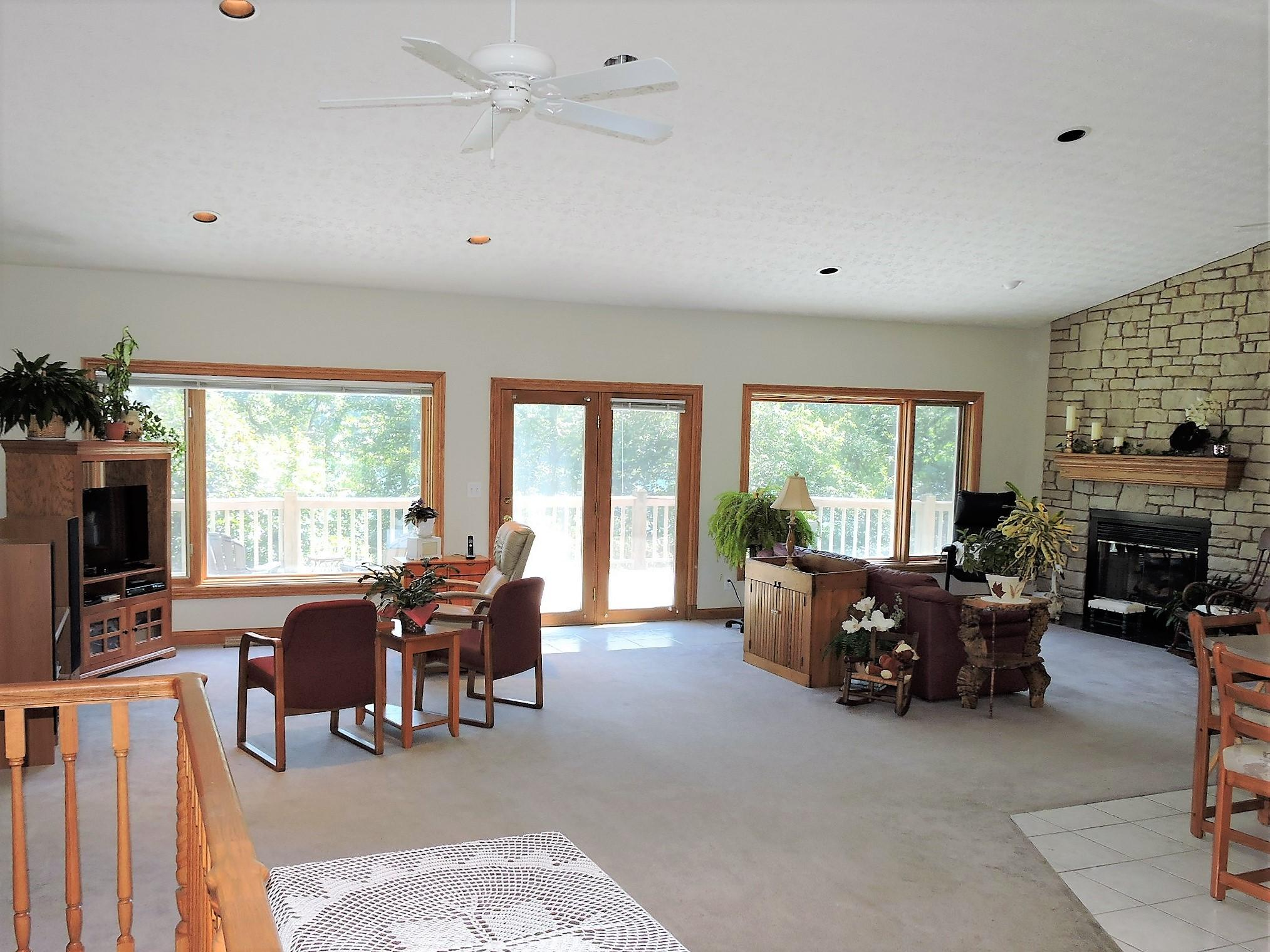 1691 Cove Point Rd: