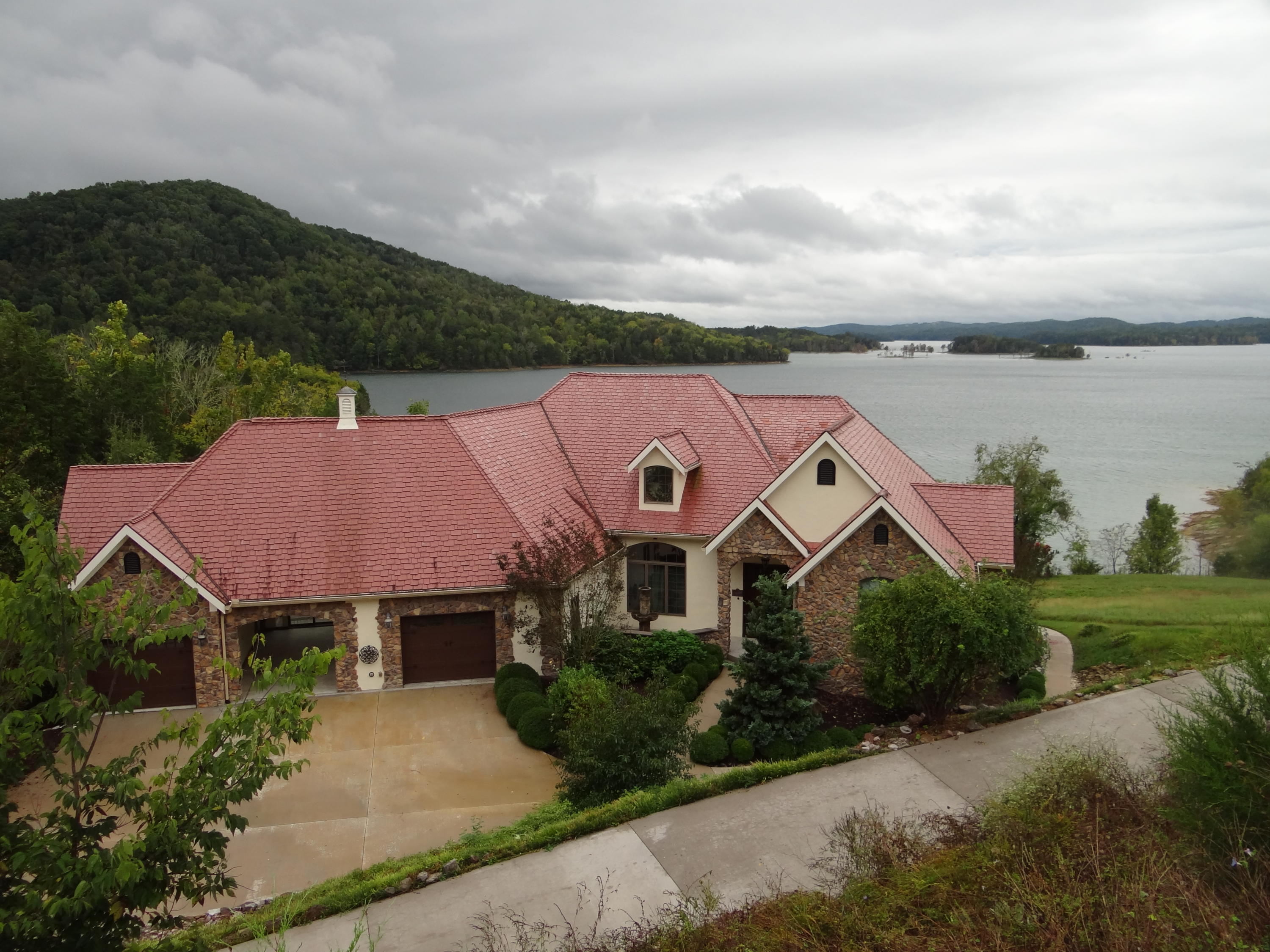 4855 Russell Brothers  (lakefront) Rd: