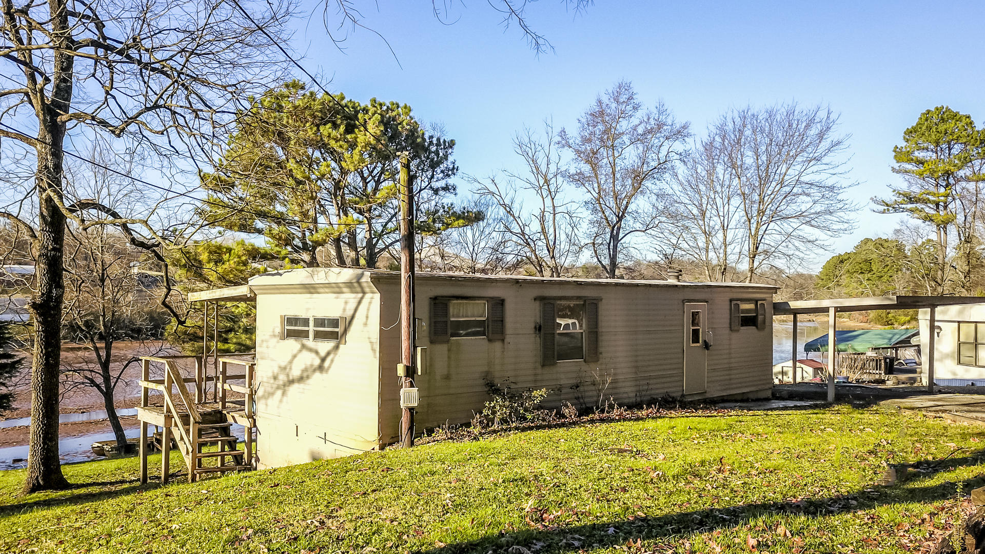1522 Pearly Smith Rd: