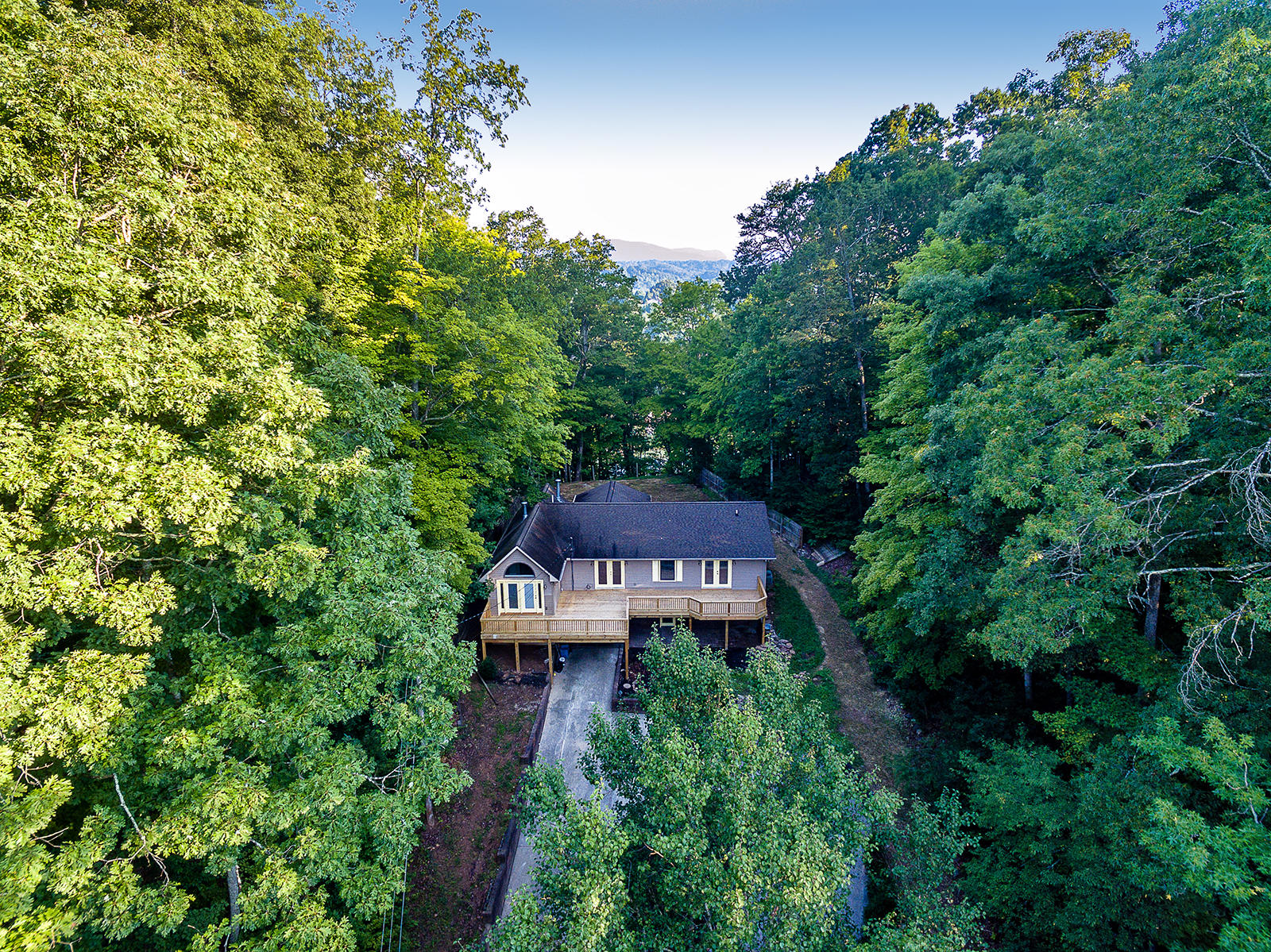 330 Ridgewood Drive, Clinton, Tennessee 37716, 4 Bedrooms Bedrooms, ,3 BathroomsBathrooms,Single Family,For Sale,Ridgewood,1064965