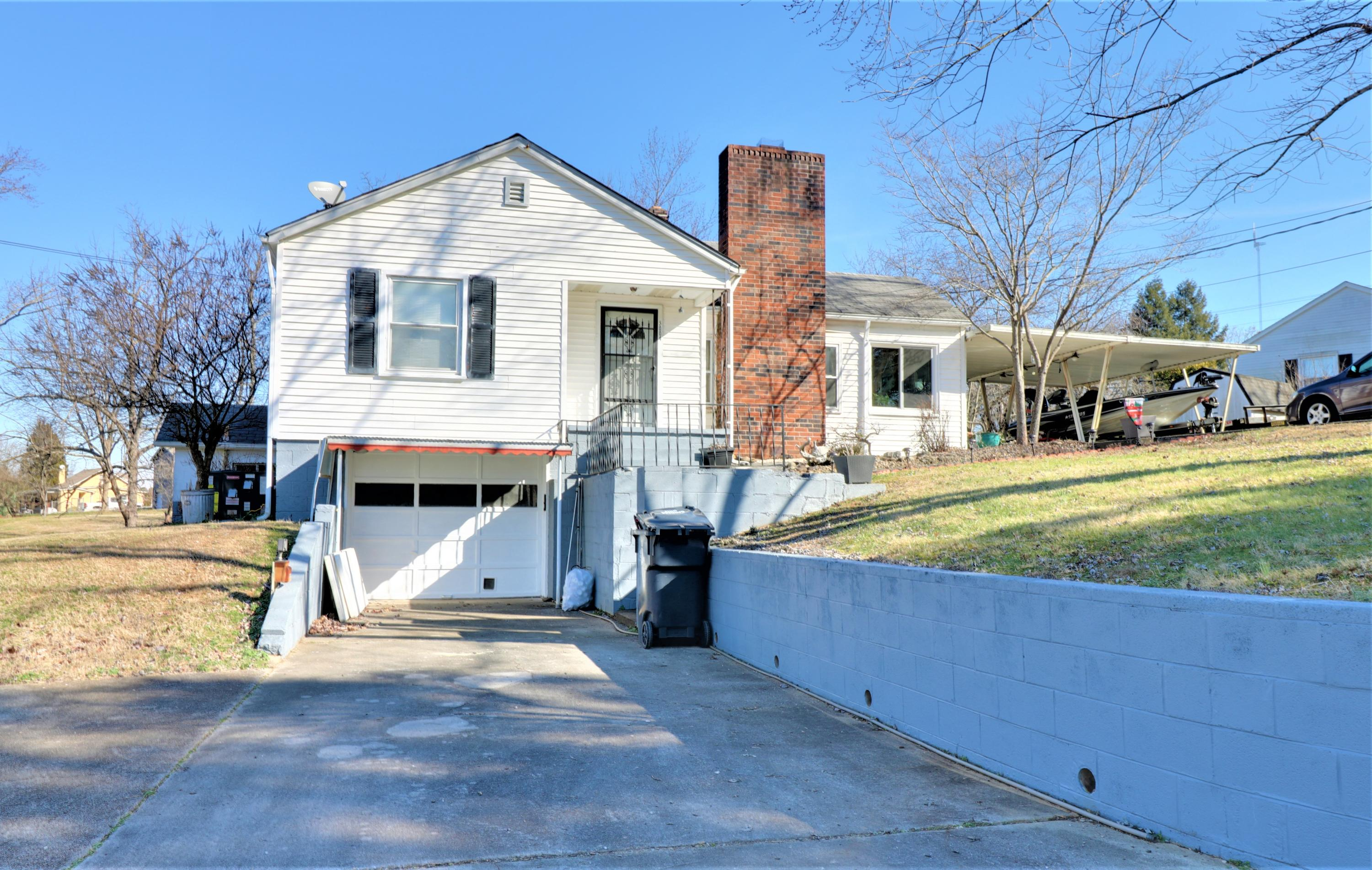 5004 Clover Rd, Knoxville, Tennessee, United States 37912, 3 Bedrooms Bedrooms, ,2 BathroomsBathrooms,Single Family,For Sale,Clover Rd,1064825