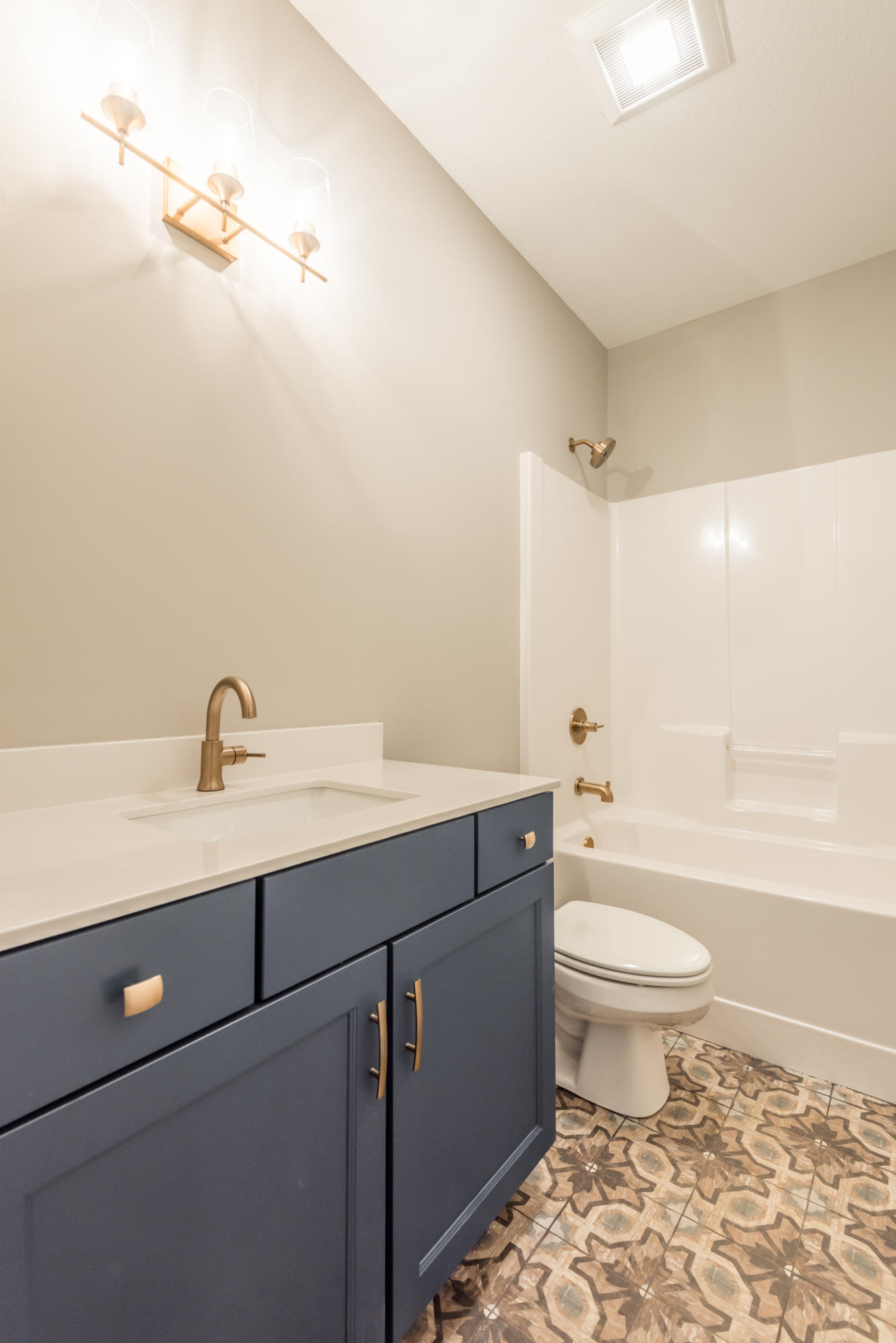 2333 Hickory Crest Lane Preview Image 6