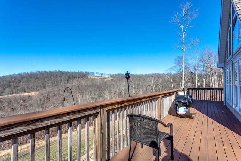 265 Pinnacle Pointe Way: