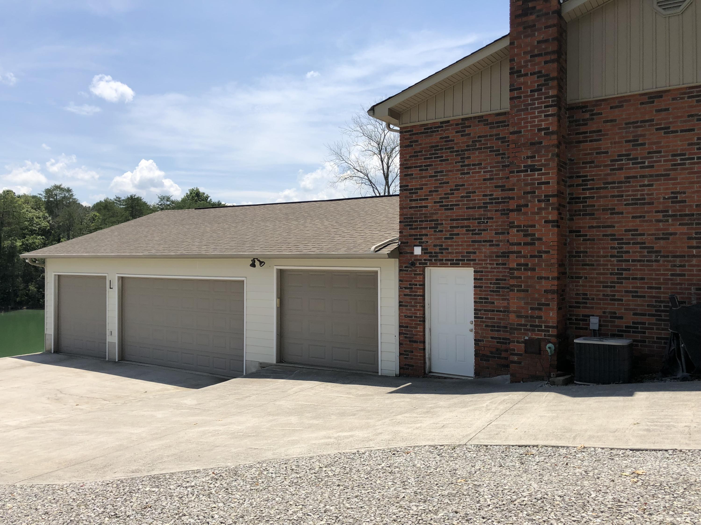 558 Shawnee Drive:
