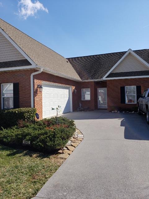 4642 Oak Meadow Way, Knoxville, Tennessee 37918, 3 Bedrooms Bedrooms, ,2 BathroomsBathrooms,Single Family,For Sale,Oak Meadow,1068579