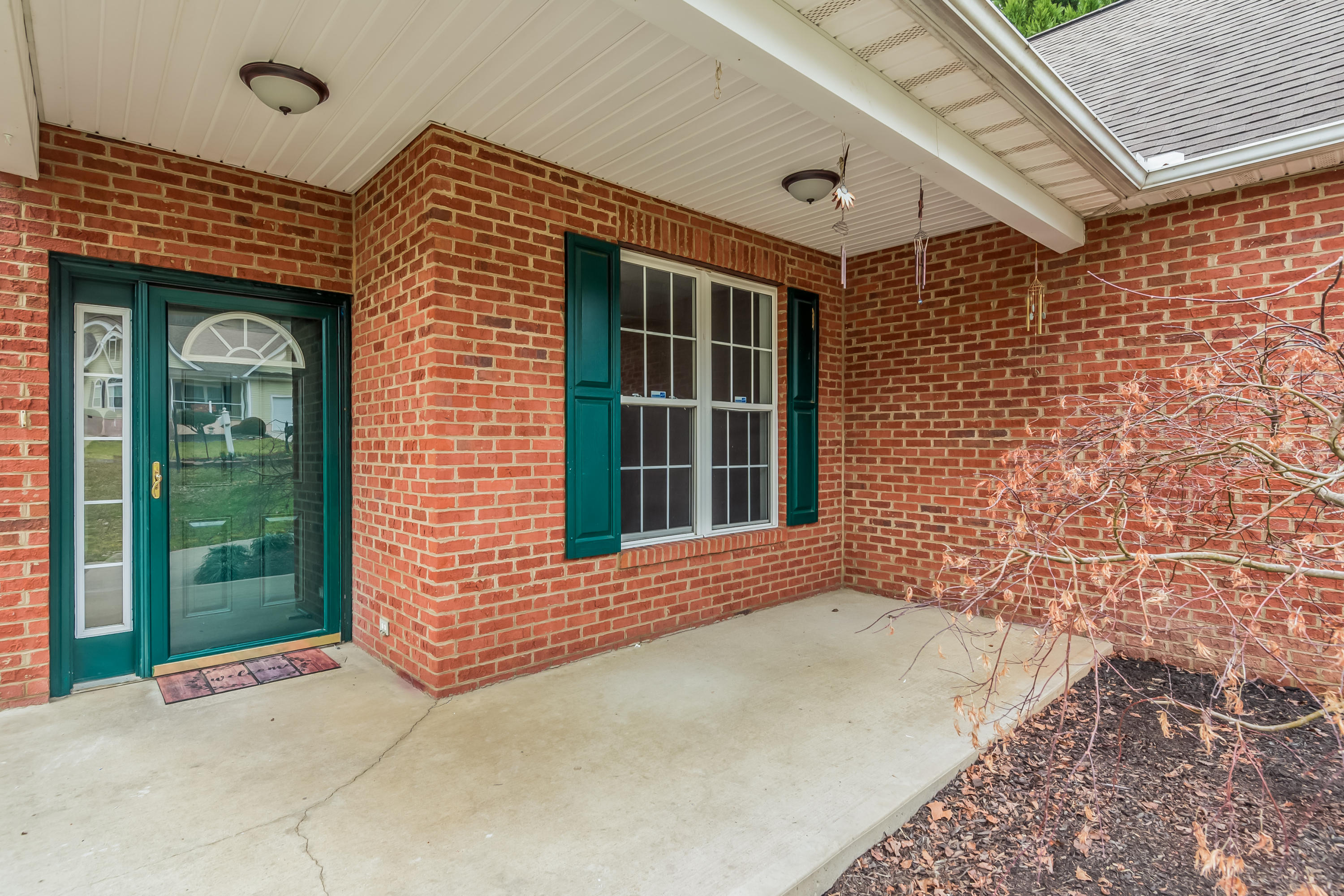 138 Flag Stone Way, Clinton, Tennessee 37716, 4 Bedrooms Bedrooms, ,2 BathroomsBathrooms,Single Family,For Sale,Flag Stone,1069022