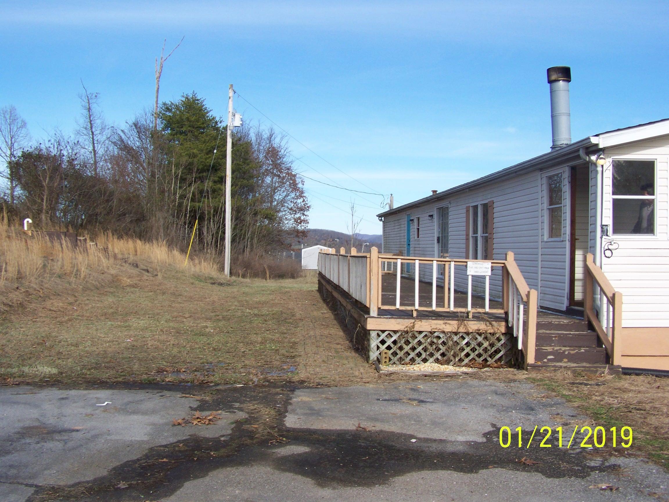 9115 Hwy111, Byrdstown, Tennessee 38549, 3 Bedrooms Bedrooms, ,2 BathroomsBathrooms,Single Family,For Sale,Hwy111,1069863
