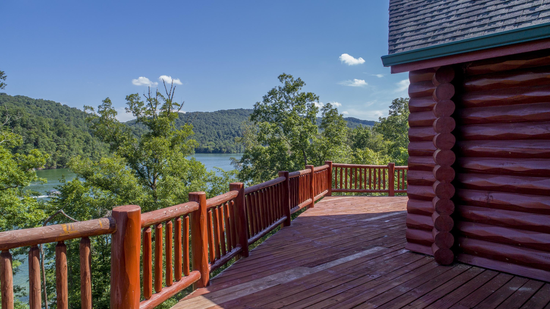 630 Bluff View Rd:
