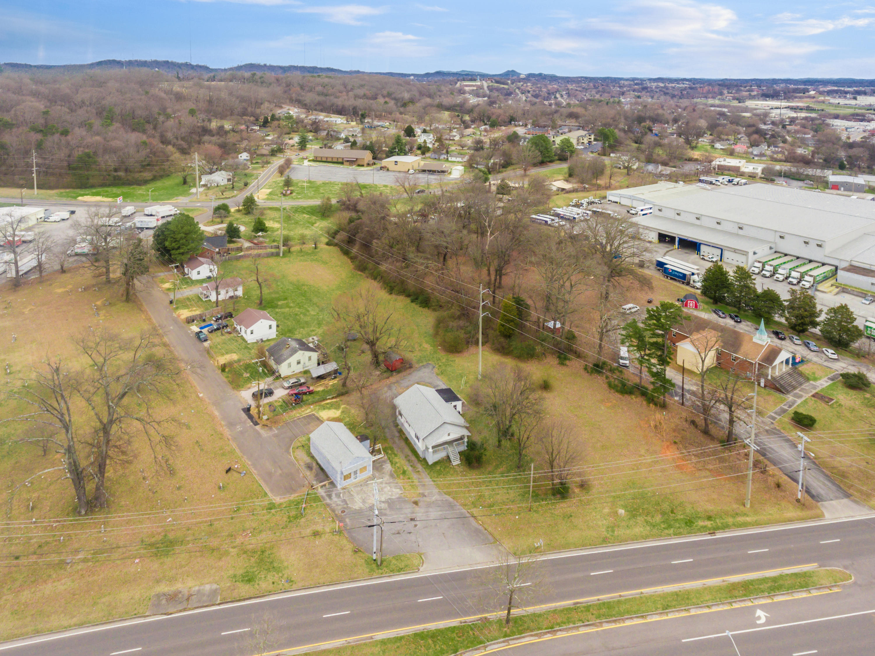 3605 MIDDLEBROOK PIKE, KNOXVILLE, TN 37921