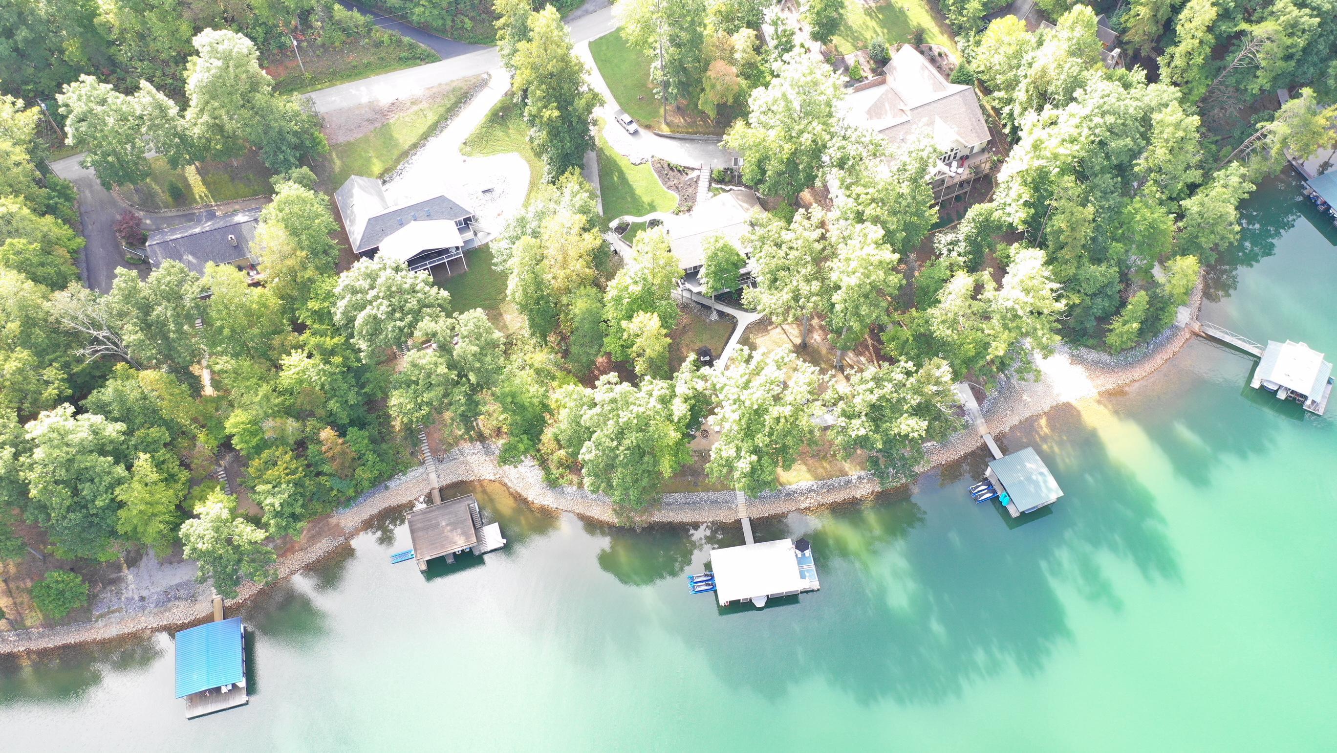 2111 Cove Pointe Rd: