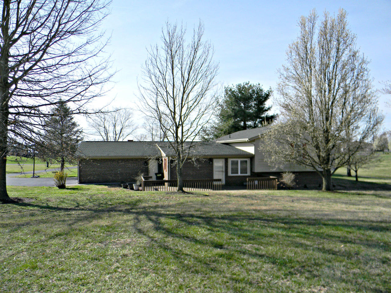 3038 Harrison Rd, White Pine, Tennessee 37890, 3 Bedrooms Bedrooms, ,2 BathroomsBathrooms,Single Family,For Sale,Harrison,1073119