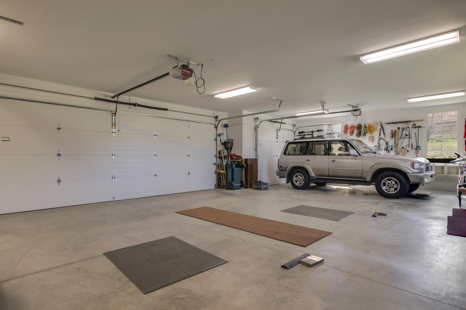 556 Cypress Pointe Drive: