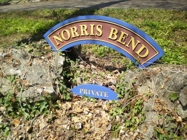 Norris Bend Lane: