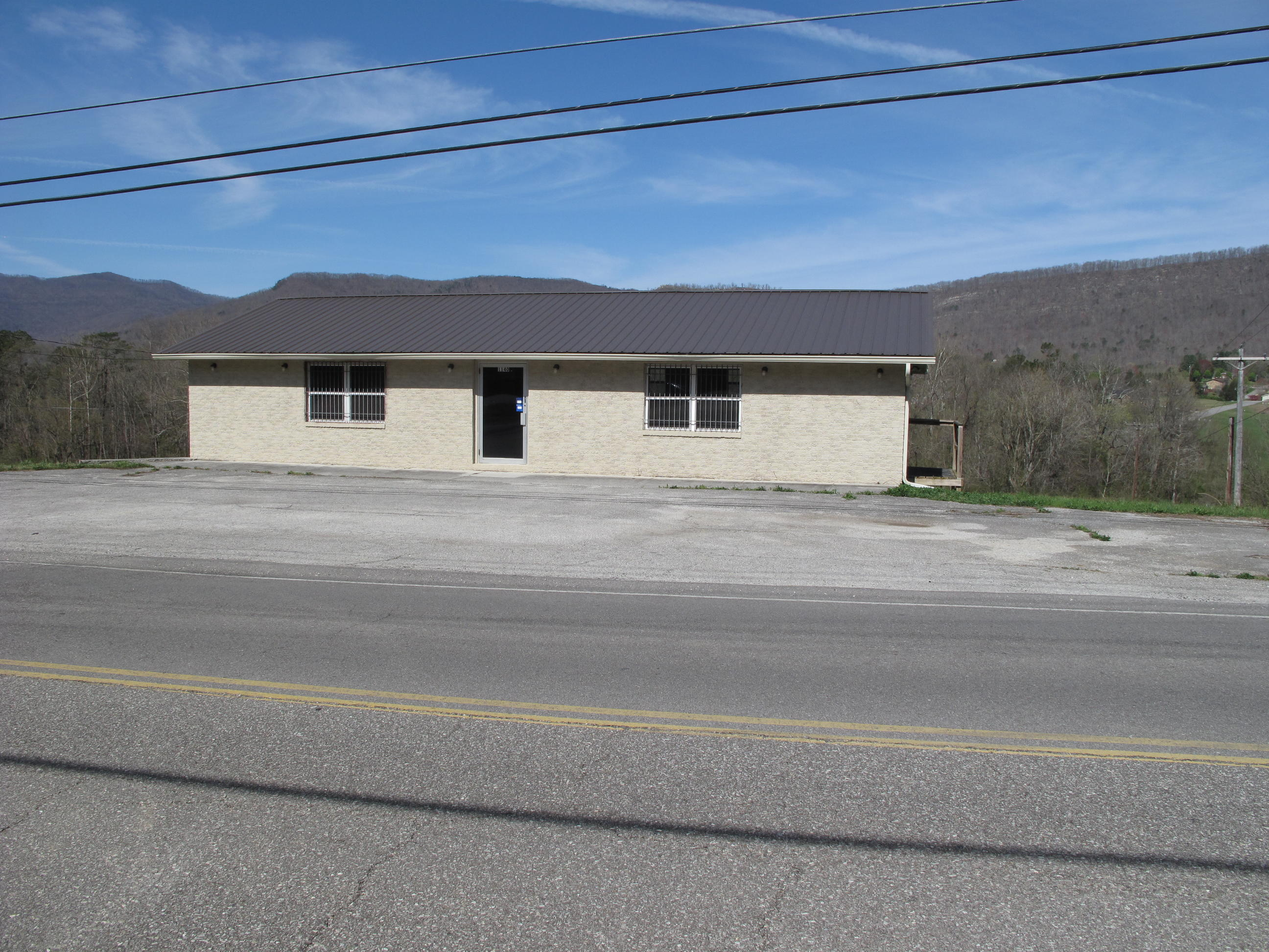 1140 Main St, Jacksboro, Tennessee 37757, ,Commercial,For Sale,Main,1074826