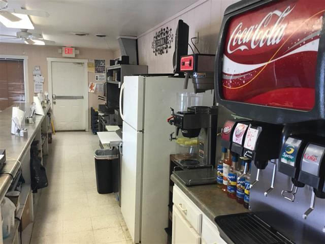 327 Tennessee Ave, Etowah, Tennessee 37331, ,Commercial,For Sale,Tennessee,1075797