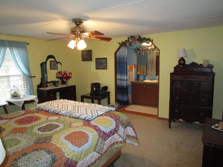 381 Blue Springs Circle, Ten Mile, Tennessee 37880, 3 Bedrooms Bedrooms, ,2 BathroomsBathrooms,Single Family,For Sale,Blue Springs,1075675