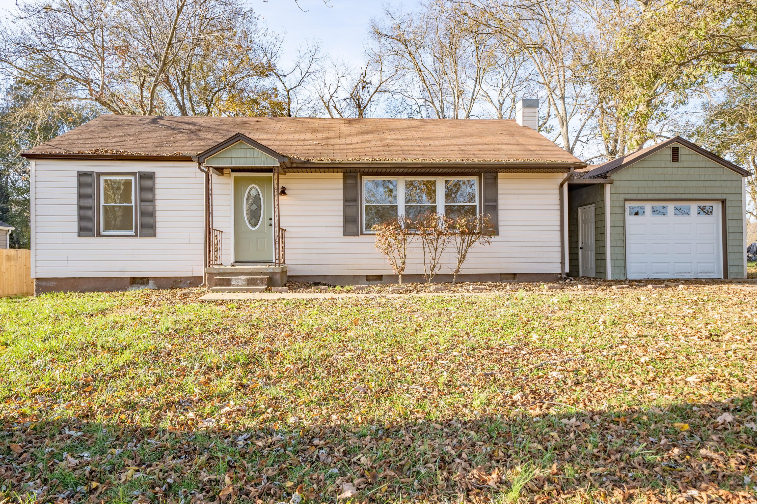 411 Hicks, Clinton, Tennessee, United States 37716, 3 Bedrooms Bedrooms, ,2 BathroomsBathrooms,Single Family,For Sale,Hicks,1075902
