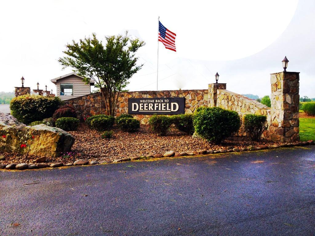 739 Deerfield Way: