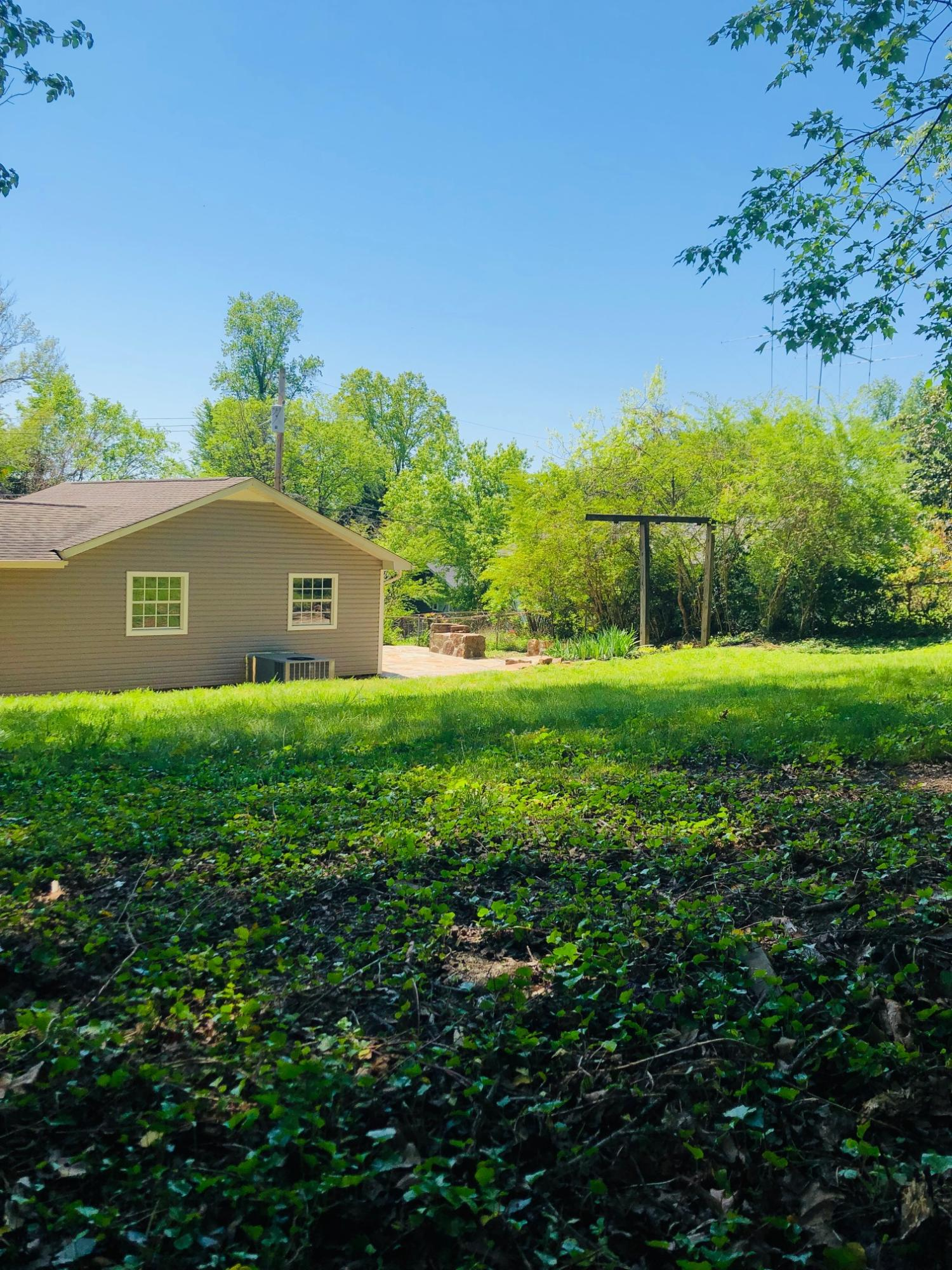 305 Faunce, Oak Ridge, Tennessee, United States 37830, 3 Bedrooms Bedrooms, ,1 BathroomBathrooms,Single Family,For Sale,Faunce,1077587