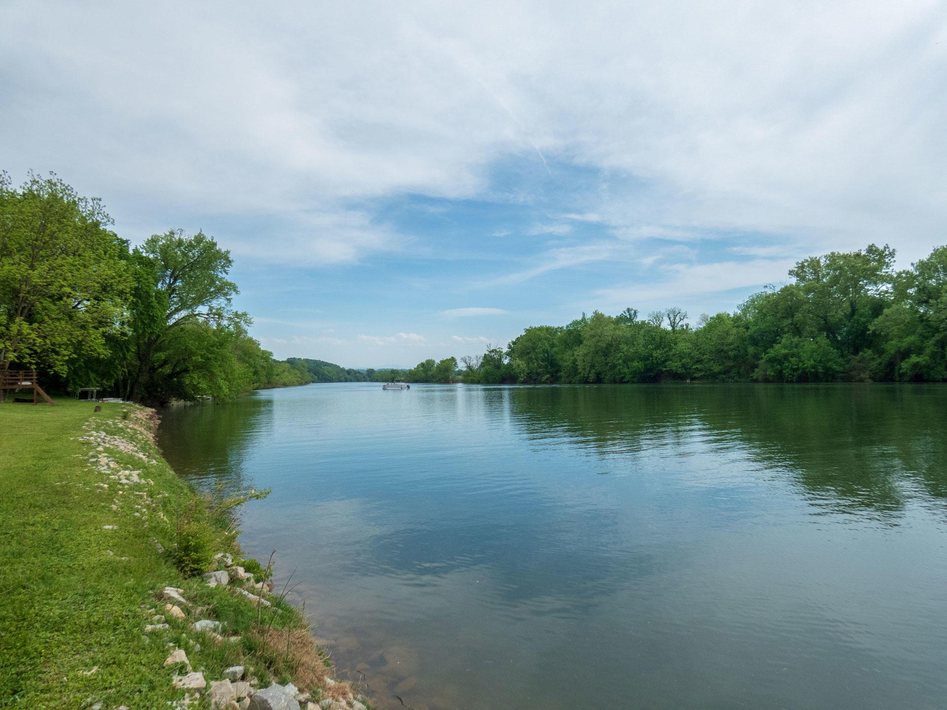 1942 River Shores Drive: