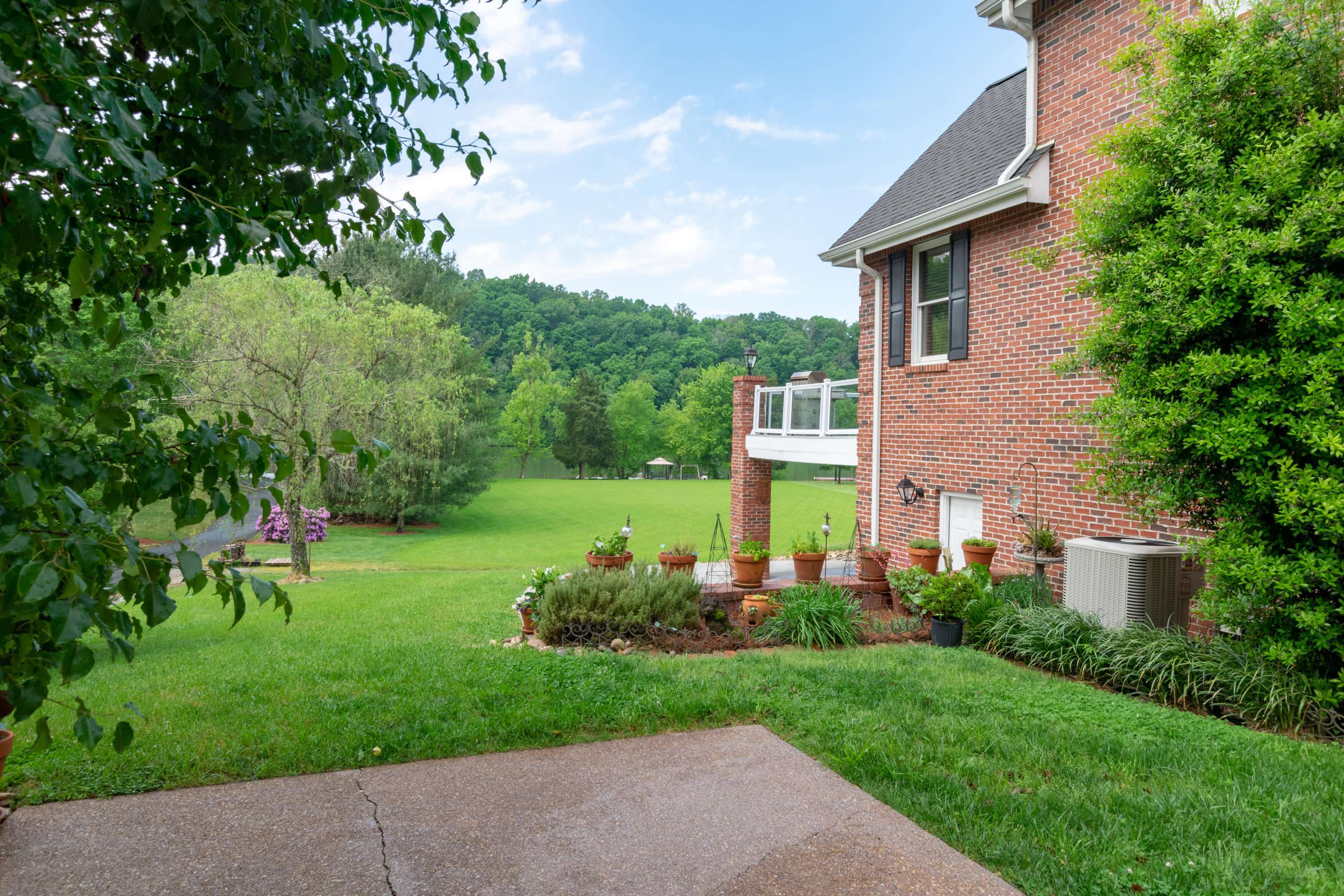 260 Rivers Edge Drive: