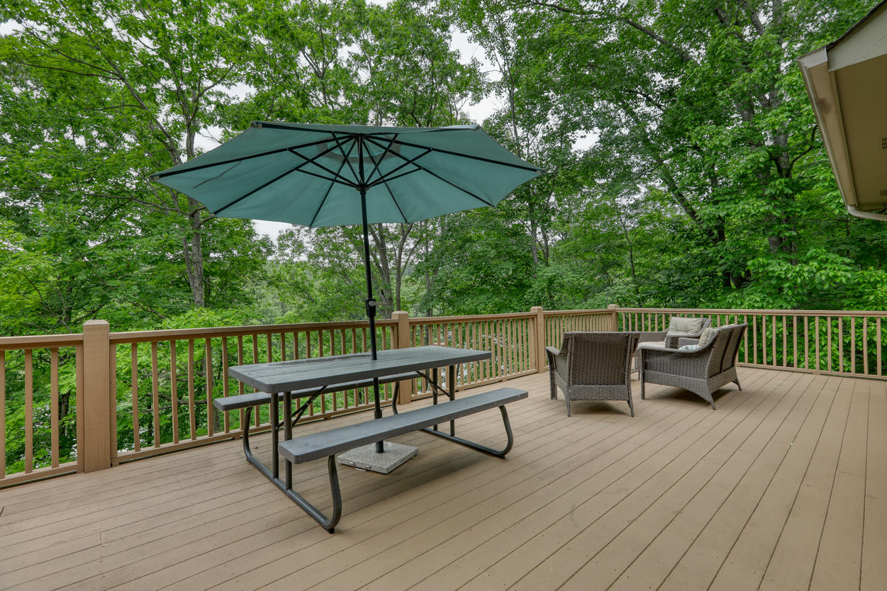 173 Lakemont Lane: