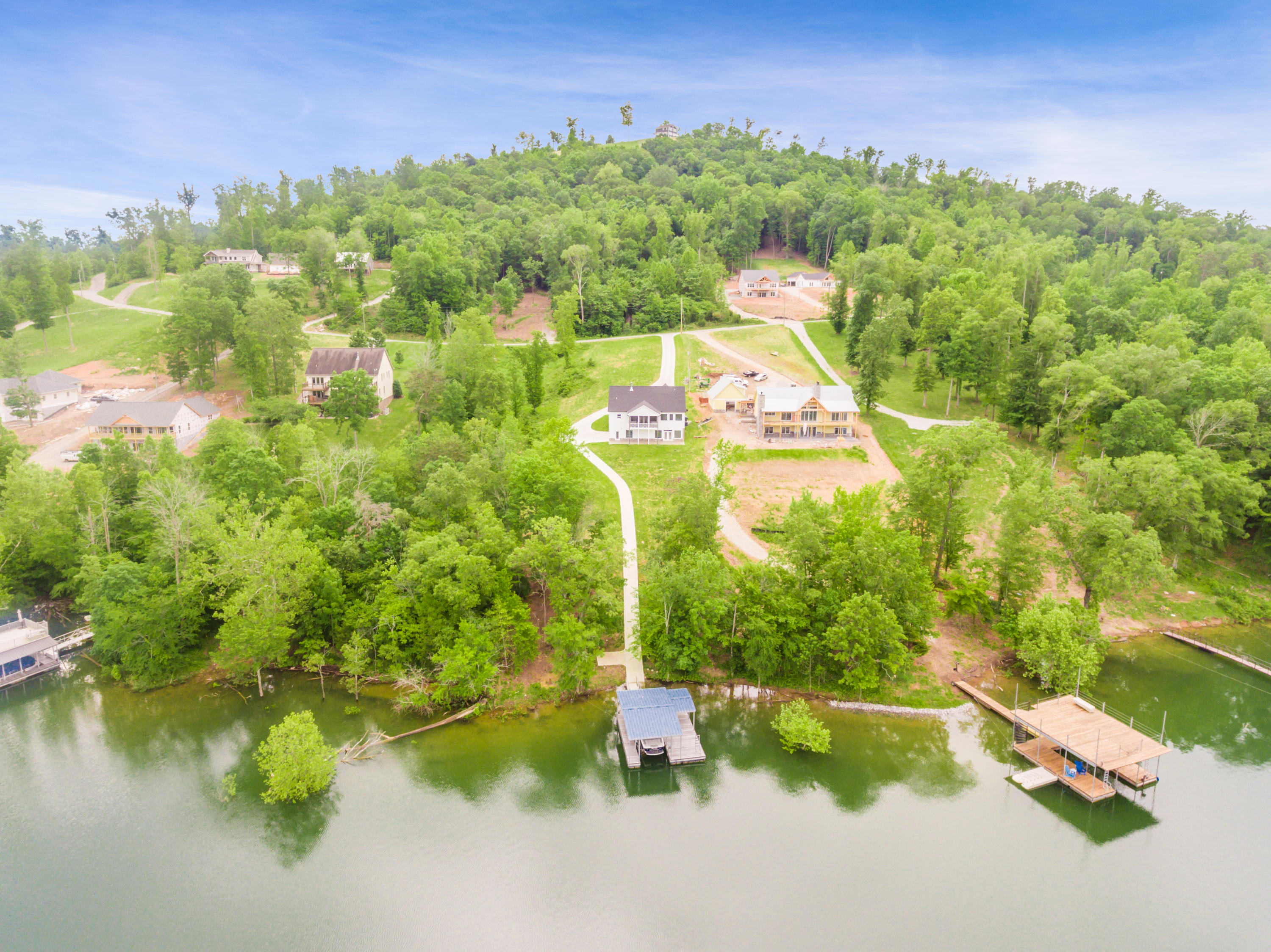 1489 Hickory Pointe Lane: