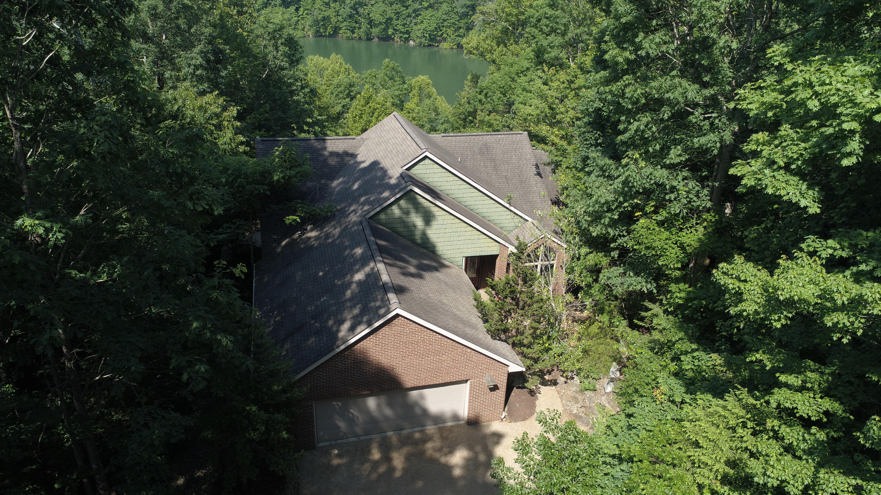 984 Fox Ridge Lane: